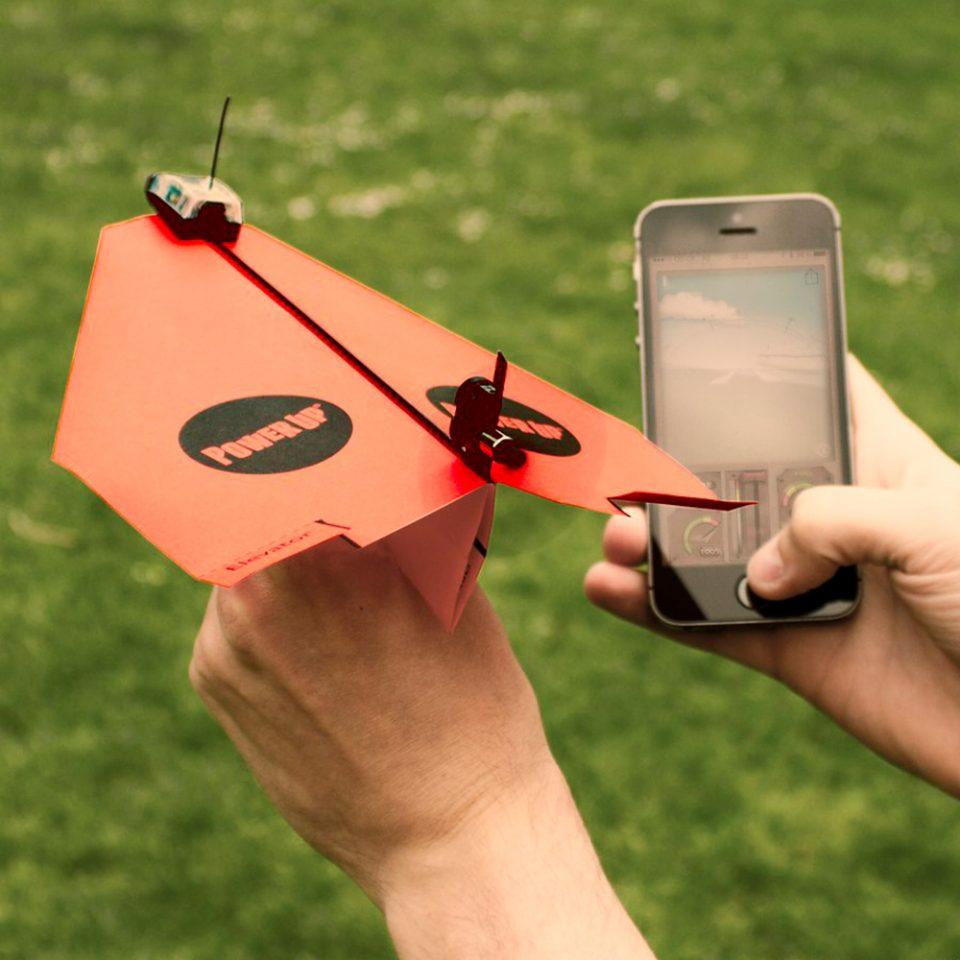 Avión-de-Papel-Controlado-por-Smartphone-PowerUp-3.0
