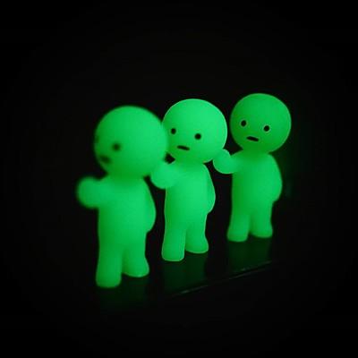 Hombrecitos que Brillan en la Oscuridad Smiski