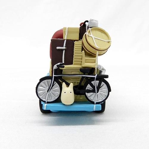 mi vecino totoro-toy-kusakabe-car detras