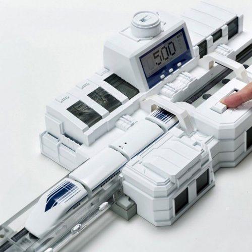 Tren de juguete con tecnología Maglev