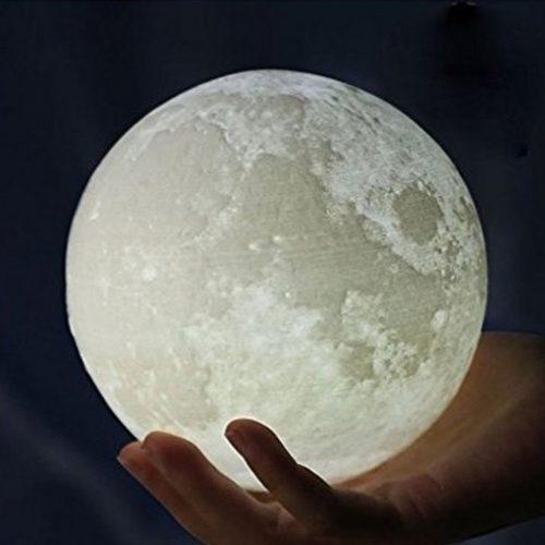 Lámpara con forma de luna
