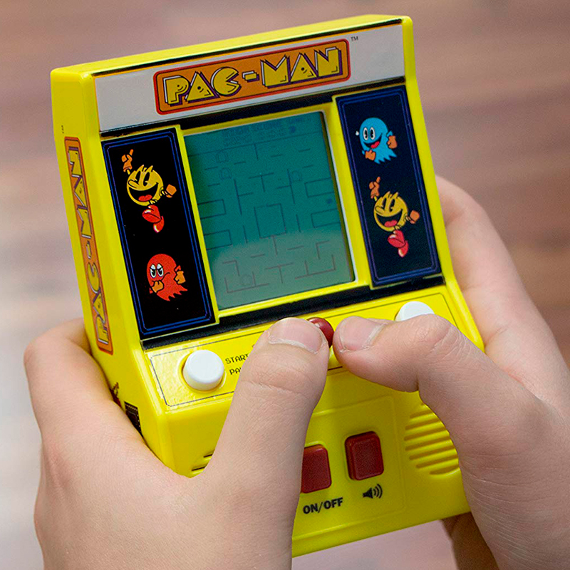 Pac-Man-Mini-Arcade-Game-4