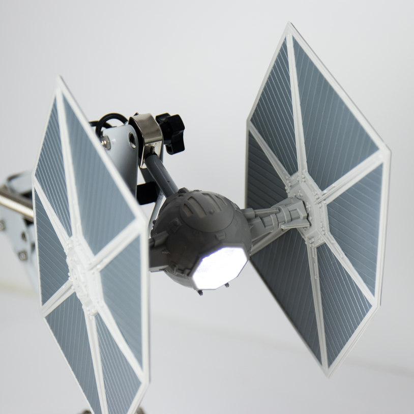 tie-fighter-desk-lamp_32481